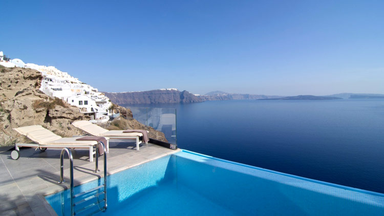 Relax with the amazing views of Santorini at your Private Suite at Santorini Secret Suites & Spa