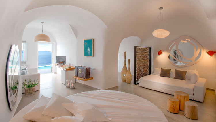 Honeymoon Suite at Santorini Secret Suites & Spa