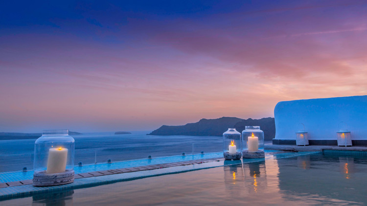 Honeymoon Suite Private Pool at Santorini Secret Suites & Spa