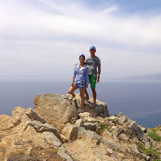 Micah & Mervin in Santorini, Greece - Travelive Reviews