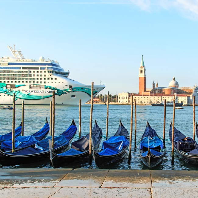 Cruise Ship in Venice - Luxury Travel Services by Travelive