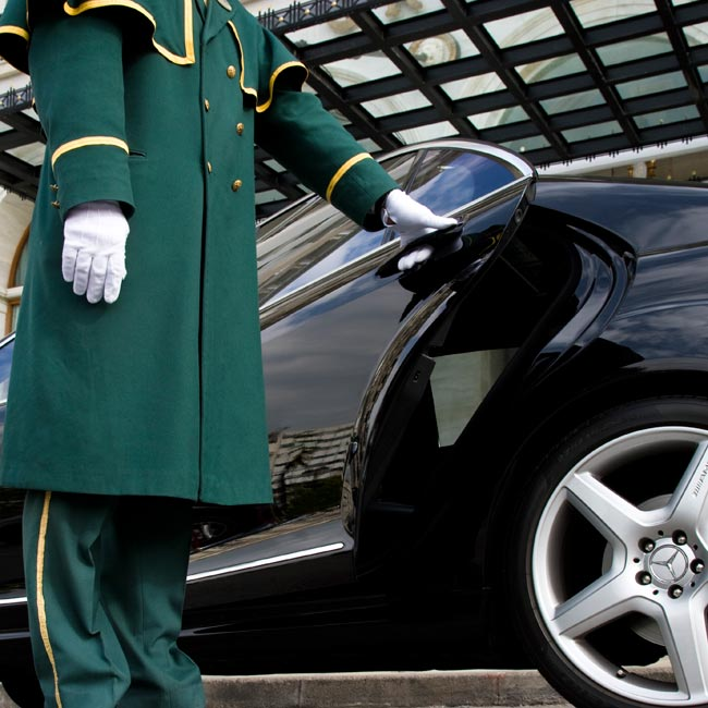 Mercedes Car Transfer – Luxury Travel Services by Travelive