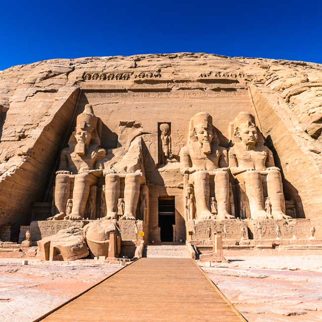 Great Temple of Ramesses – Abu Simbel tours with Travelive, Egypt holiday destinations