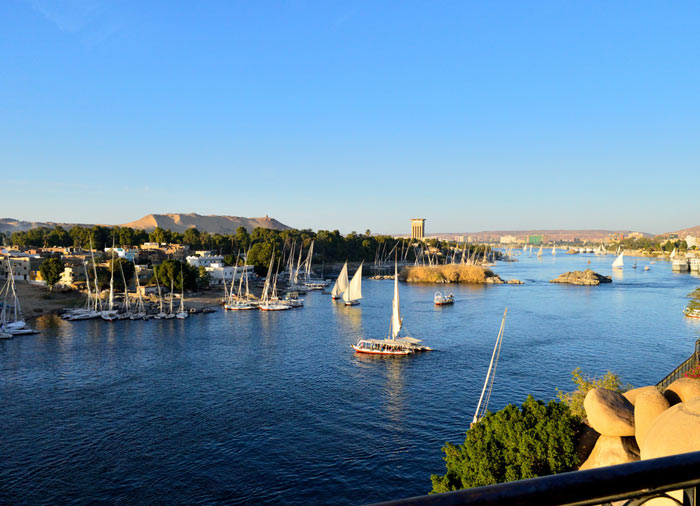 Nile – Aswan, Nile Cruise honeymoon tours with Travelive, luxury travel agency