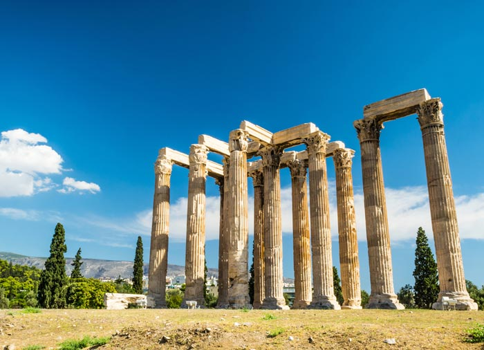 Temple of Zeus – Explore Athens honeymoon package with Travelive, luxury travel agency