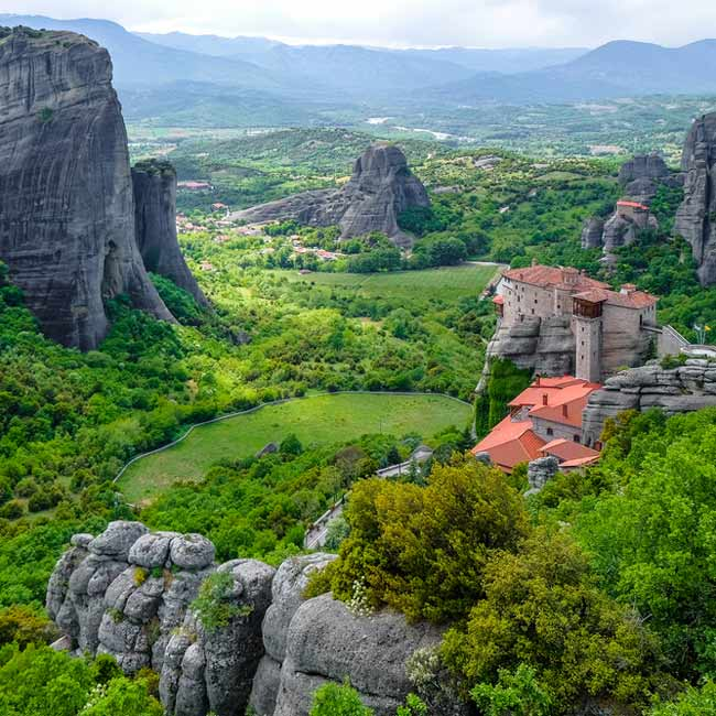 Meteora – Greece, explore top destinations in Greece with Travelive packages