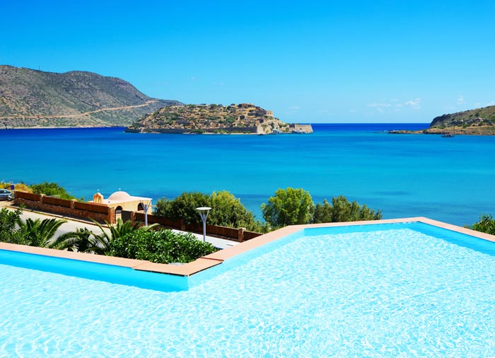 Luxury hotel with view – Crete Honeymoon package, Travelive' s Aegean romantic escape