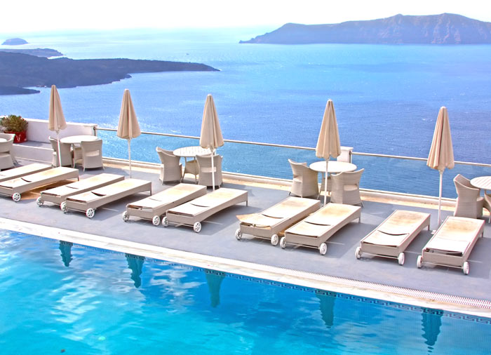 Luxury hotel – Santorini Honeymoon packages brought to you by Travelive, luxury travel