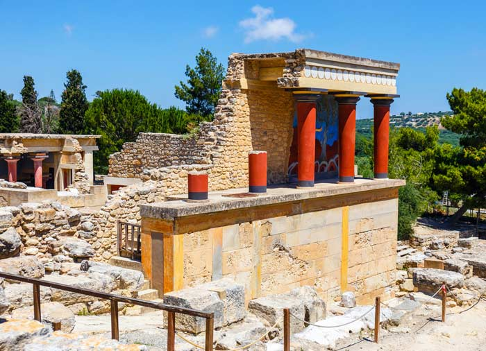 Knossos – Crete tours, Mainland Greece holidays packages, Travelive, Luxury Travel Agency