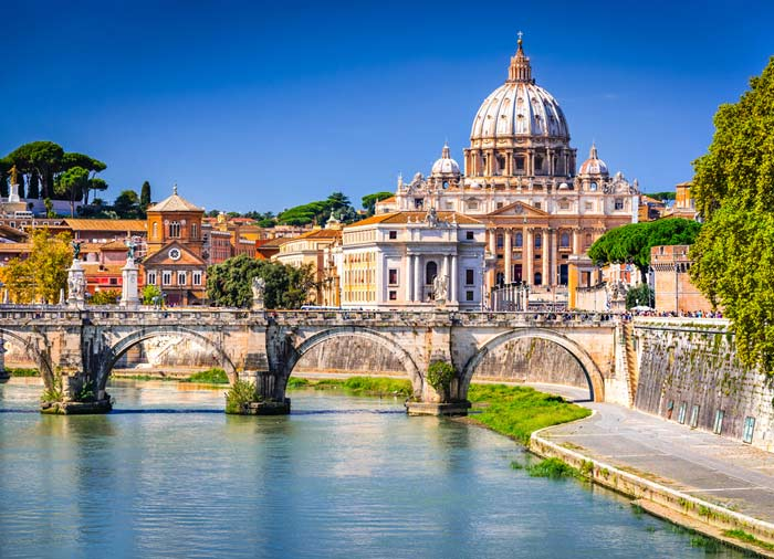 Saint Peter Basilica – Rome Honeymoon tours with Travelive, romantic luxury travel agency