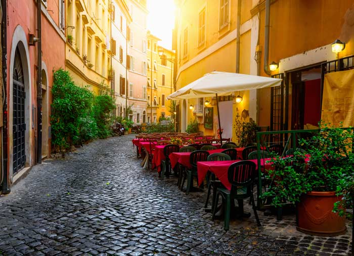 Trastevere Street – Rome Honeymoon tours with Travelive, Luxury travel agency, packages