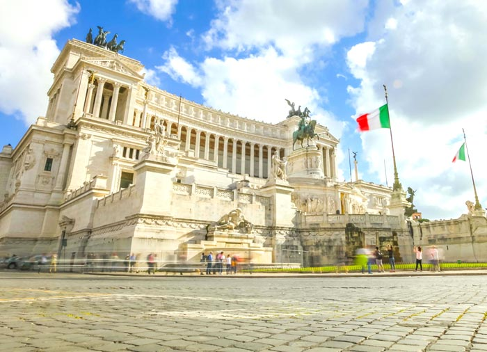 Piazza Venezia -  Rome honeymoon packages with Travelive, luxury honeymoon packages