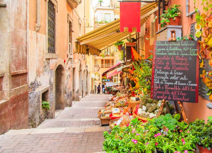 Local Shop – Taormina, Sicily honeymoon packages with Travelive, luxury travel agency