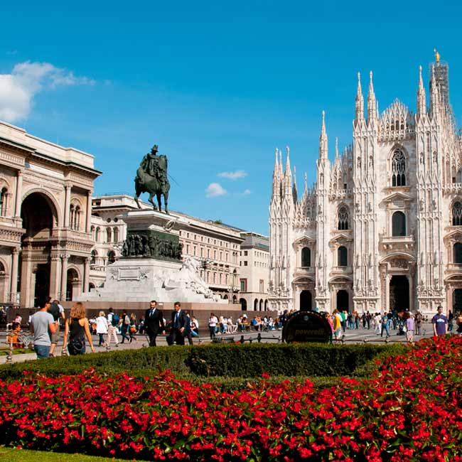 Piazza del Duomo – City of Milan, explore top destinations in Italy with Travelive