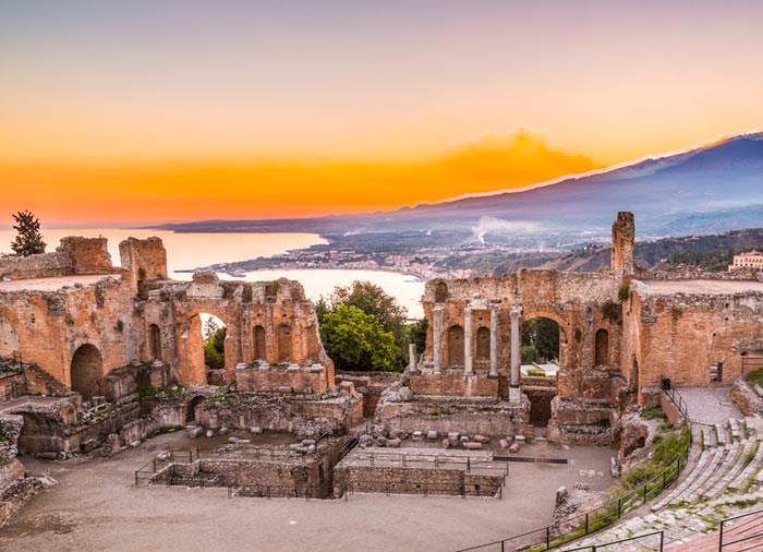 Greek Theater – Taormina excursions with Travelive, luxury travel agency
