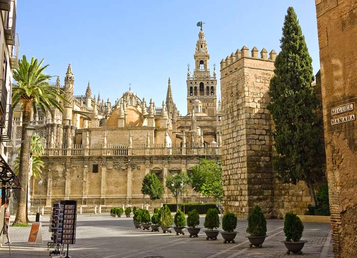 La Giralda – Seville honeymoon tour with Travelive, luxury travel agency