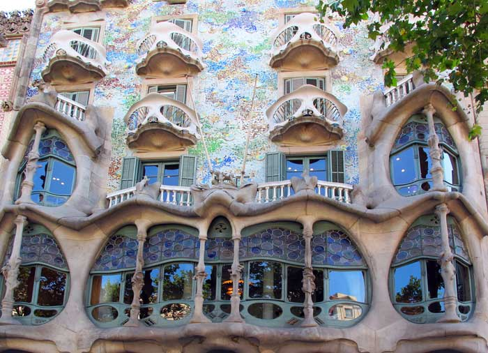 Casa Batllo – Barcelona honeymoon packages with Travelive, Romantic Welcome tours