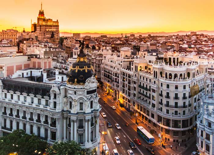 Gran Via Madrid – Madrid Honeymoon tours with Travelive, luxury travel agency
